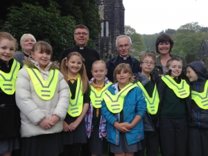 Children from Walsden, St Peter's getting ready to plant