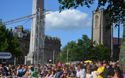 St Peter's Harrogate with the crowds at the finish of Day 1