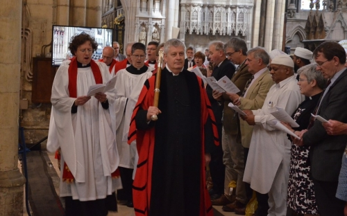 Clergy process in to the Minster